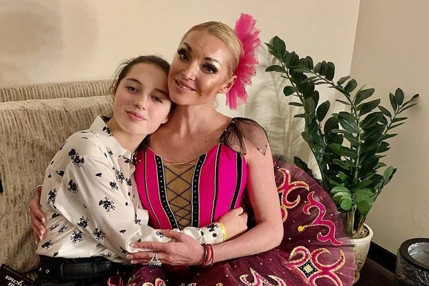 Волочкова избавилась от дочери: не одобрила ее нового ухажера