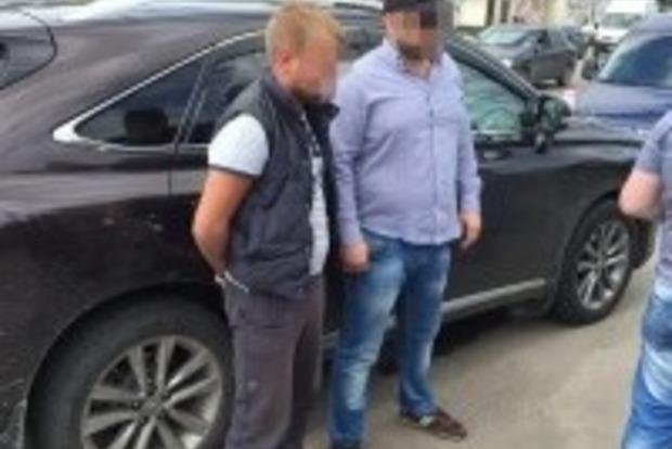Голова сільради і посередник вимагали хабар у 300 тисяч євро