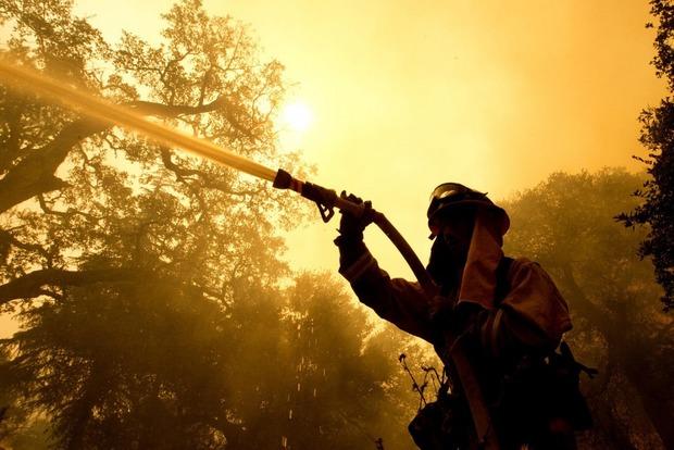 Лесные пожары в Калифорнии: количество погибших увеличилось до 23 человек