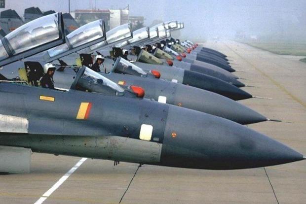 Чтобы покрыть всю Украину: Россия разместила на границе 500 самолетов