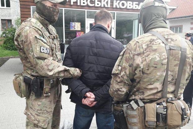 В Житомире поймали полицейского, который «крышевал» проституток