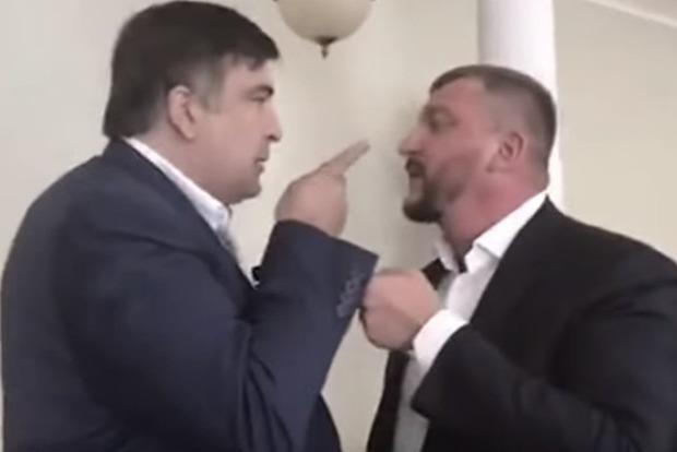 Саакашвили устроил министру Петренко скандал и назвал мерзавцем