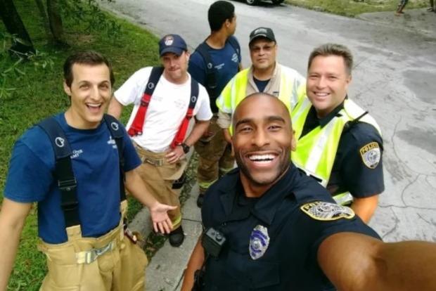 Они укротили Ирму. Фото горячих американских спасателей свело миллионы американок с ума