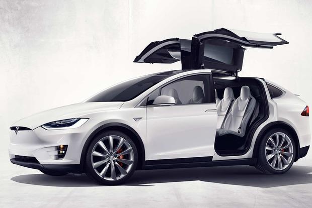Tesla стала крупнейшим автопроизводителем США по капитализации