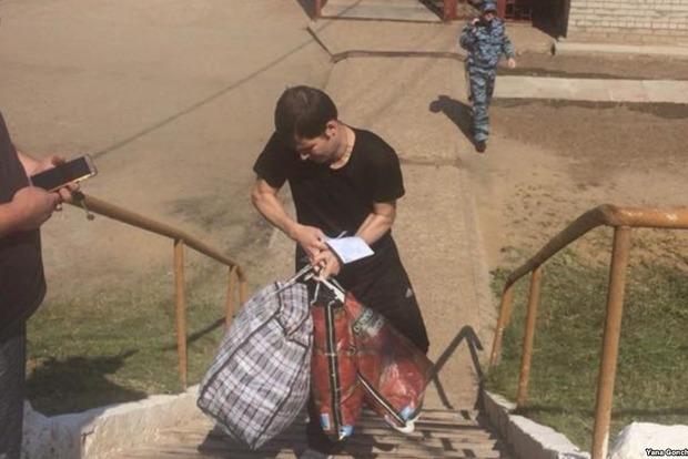 Изможденный и со сломанной рукой: украинец Костенко вернулся на родину после российской каторги