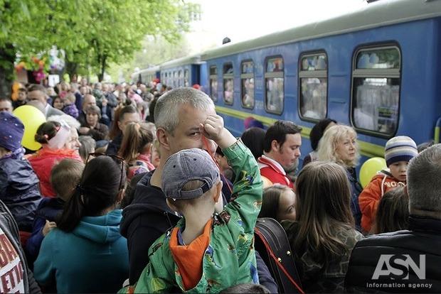 Укрзализныця сказала когда готова начать железнодорожные перевозки