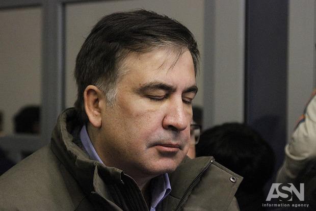 Дикие крики и нецензурная брань. Видео задержания Саакашвили попало в сеть