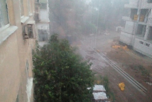 На Днипро обрушился мощный ураган с ливнем
