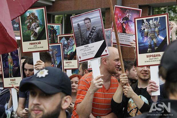 «Бессмертный полк» в Одессе славил Путина и скандировал «Донбасс, мы с тобой!»
