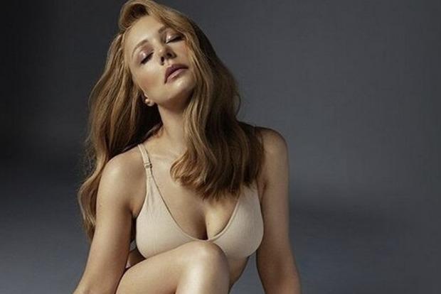 В узком платье и без белья: Тина Кароль с протяжным вздохом показала, чем «приворожила» Дана Балана