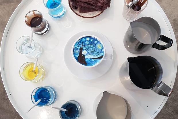 Бариста из Южной Кореи воссоздает картины Ван Гога на кофейной пенке