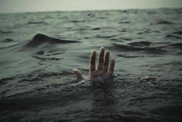 Мужчина спас троих утопающих детей: его тело ищут до сих пор