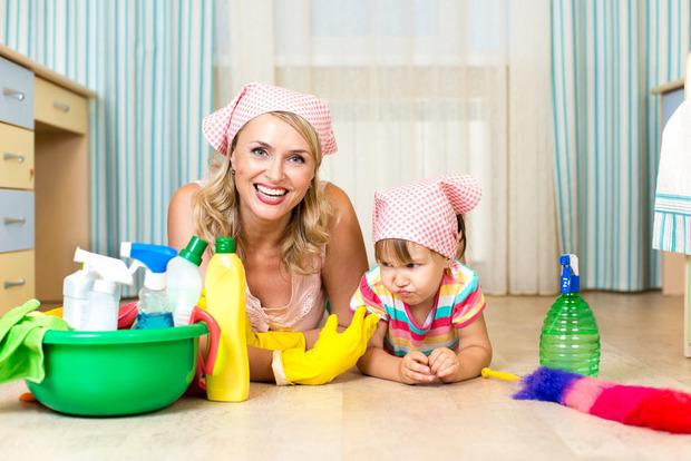 Кабмин упростил процедуру получения алиментов и помощи при рождении ребенка
