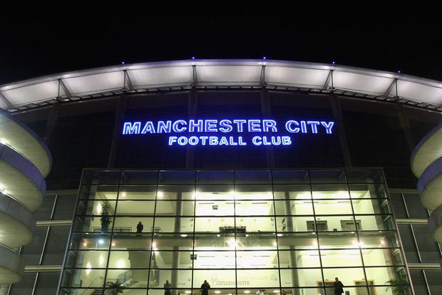 На английском стадионе произошло два взрыва