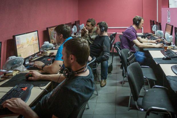 Полный контроль: в РФ обяжут регистрировать пользователей онлайн-игр по номеру телефона