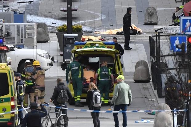 Теракт в Стокгольме: полиция опровергает задержание водителя грузовика