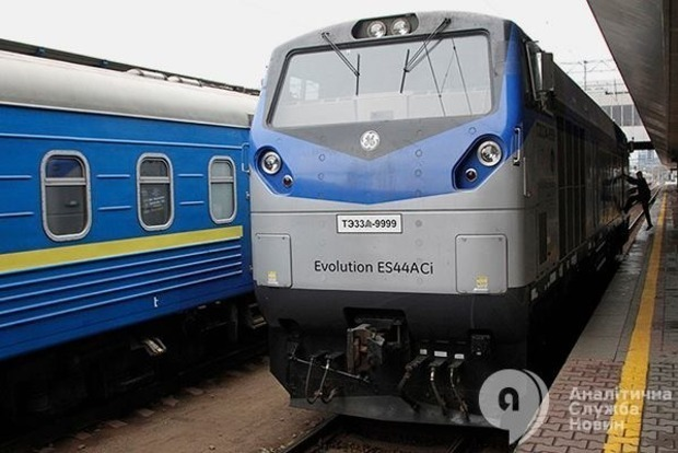 Не вистачило 6 вагонів: Укрзалізниця знову познущалася над львів'янами