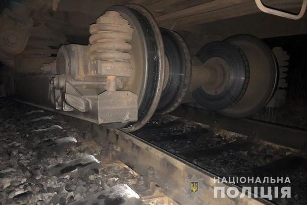 На Тернопольщине сошел с рельсов поезд с пассажирами