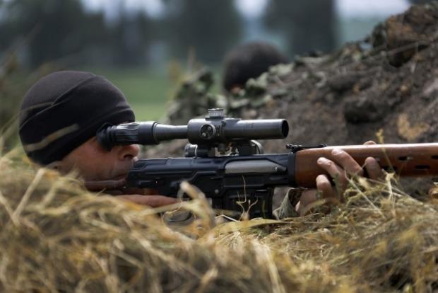 Кровавое перемирие: боец ВСУ погиб от пули снайпера боевиков