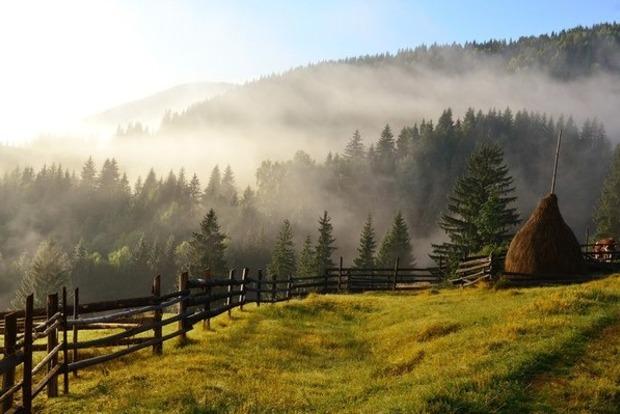 В Карпатах из-за сильного тумана потерялся турист
