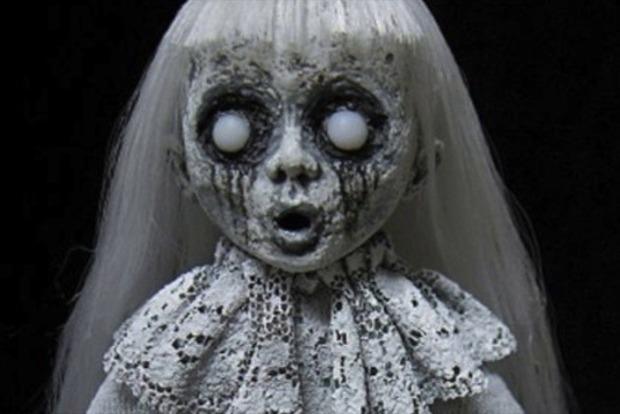 В Кирилловке море вынесло на берег странную куклу (фото)