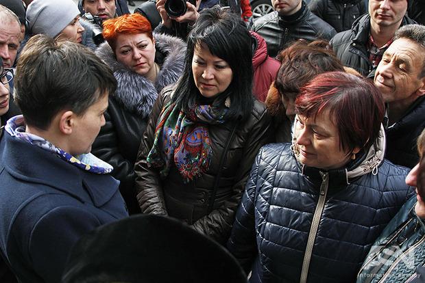 Савченко останется нардепом и Героем Украины до решения суда