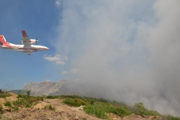 Турция готова направить самолет для тушения горящей свалки, если понадобится
