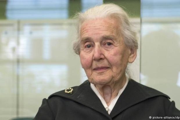В Германии пенсионерку приговорили к 6 месяцам тюрьмы за отрицание Холокоста
