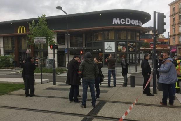Во Франции произошел взрыв в здании McDonald's