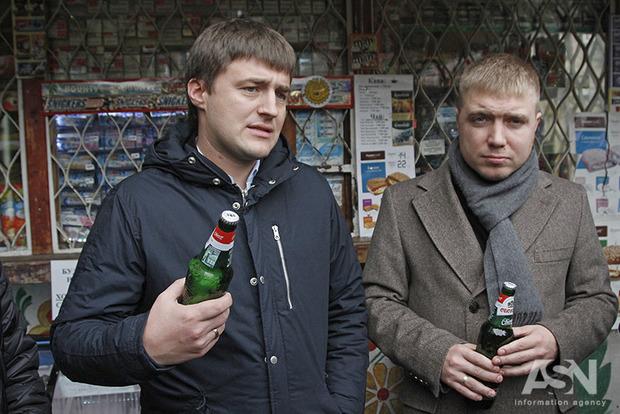 По пивку? Чиновники КГГА вычисляли киоски, в которых еще продают алкоголь