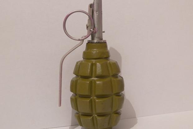В Киеве во время обычной проверки на улице у мужчины нашли гранату
