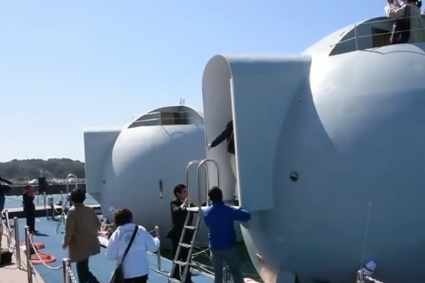 В Японии создали отель в виде плавающих капсул