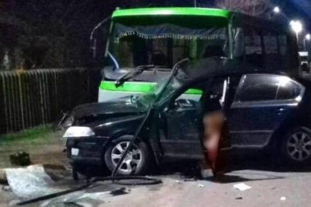 Авария в Балаклее: 2 погибших и 11 пострадавших