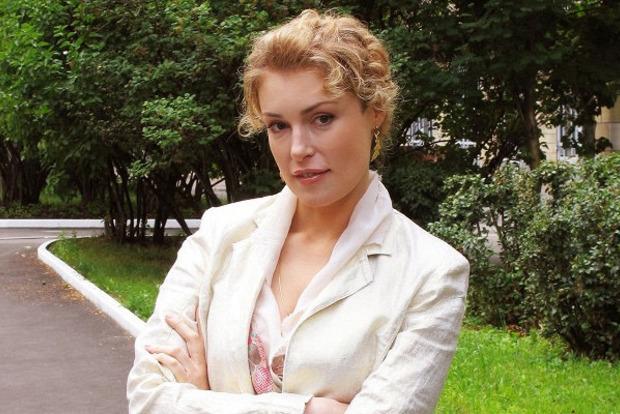 Российская актриса Шукшина после теста ДНК признала выброшенного на улицу внука