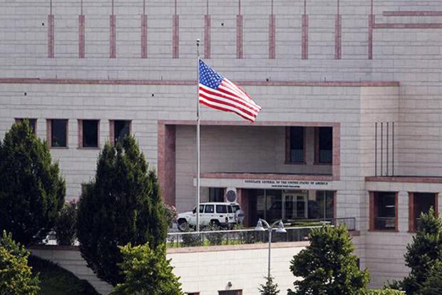 США приостановили выдачу виз в Турции