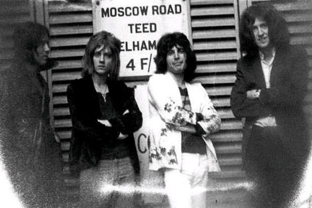 Умер первый бас-гитарист легендарной группы Queen
