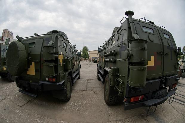 ВДонецкой обл. произошло ДТП сучастием военного транспорта, один гражданский умер