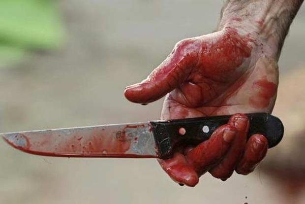 В Харьковской области мужчина ударил отца ножом в грудь