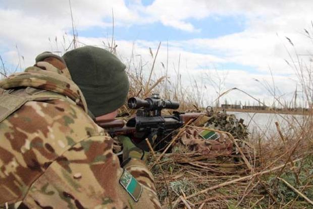 Пограничники провели военные учения под носом российских оккупантов