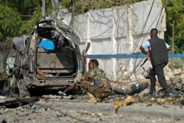 Боевики напали на отель в столице Сомали