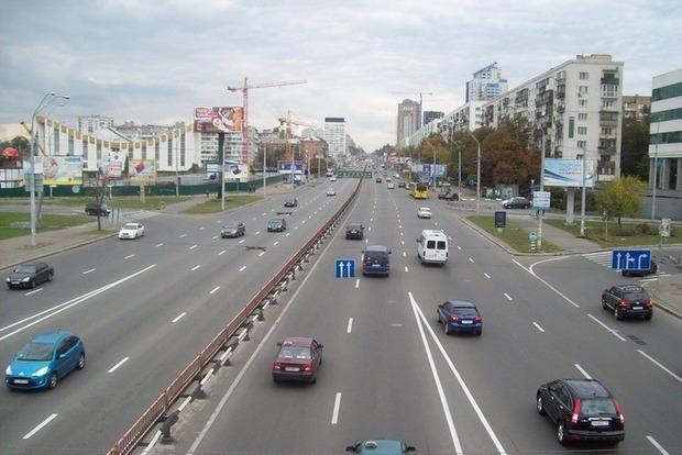 В Киеве на все лето ограничат движение транспорта от метро «Нивки» в направлении центра