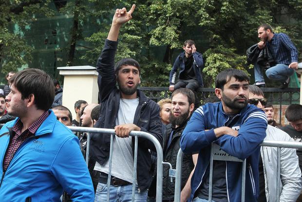 Сотни московских мусульман протестовали из-за геноцида в Мьянме