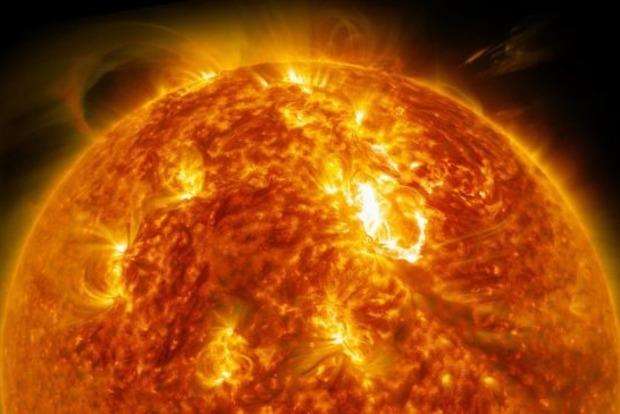 На Солнце произошла третья мощная вспышка. Чего ждать Земле