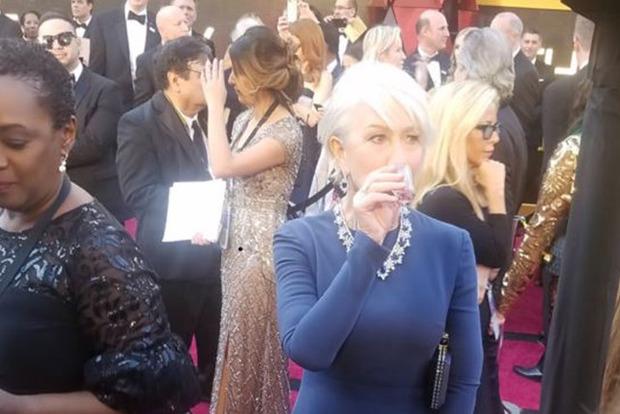 Знаменитая актриса напилась прямо на красной дорожке