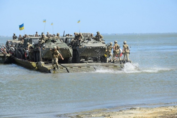 Украина провела учения с участием авиации и флота в Азовском море