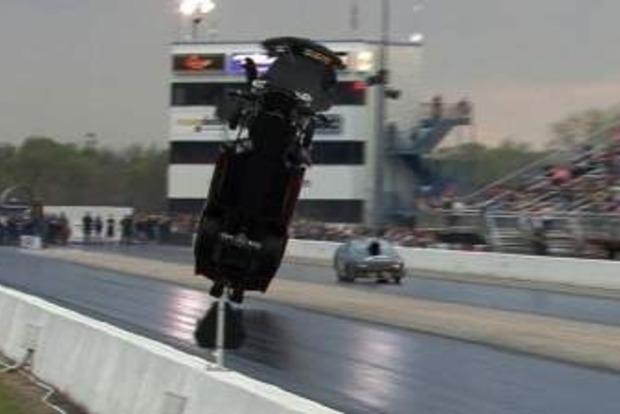 В США 4000-сильный «Корвет» взлетел в воздух на огромной скорости