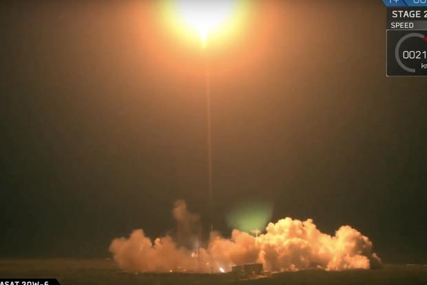 Space X запустила ракету с испанским спутником