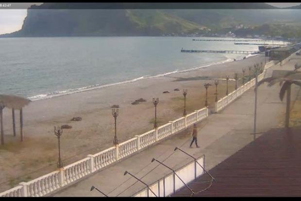 Нове сумне фото пляжу в окупованому Криму