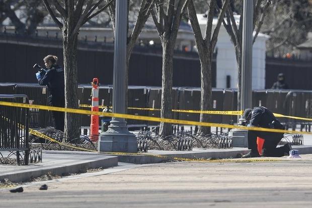 Перед Белым домом мужчина совершил жуткое самоубийство
