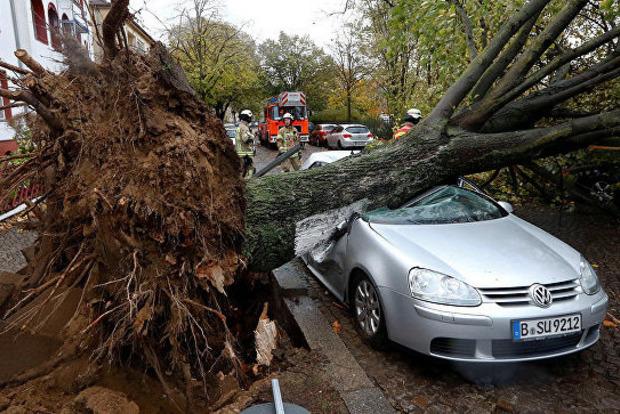В Германии бушует мощный ураган «Герварт»